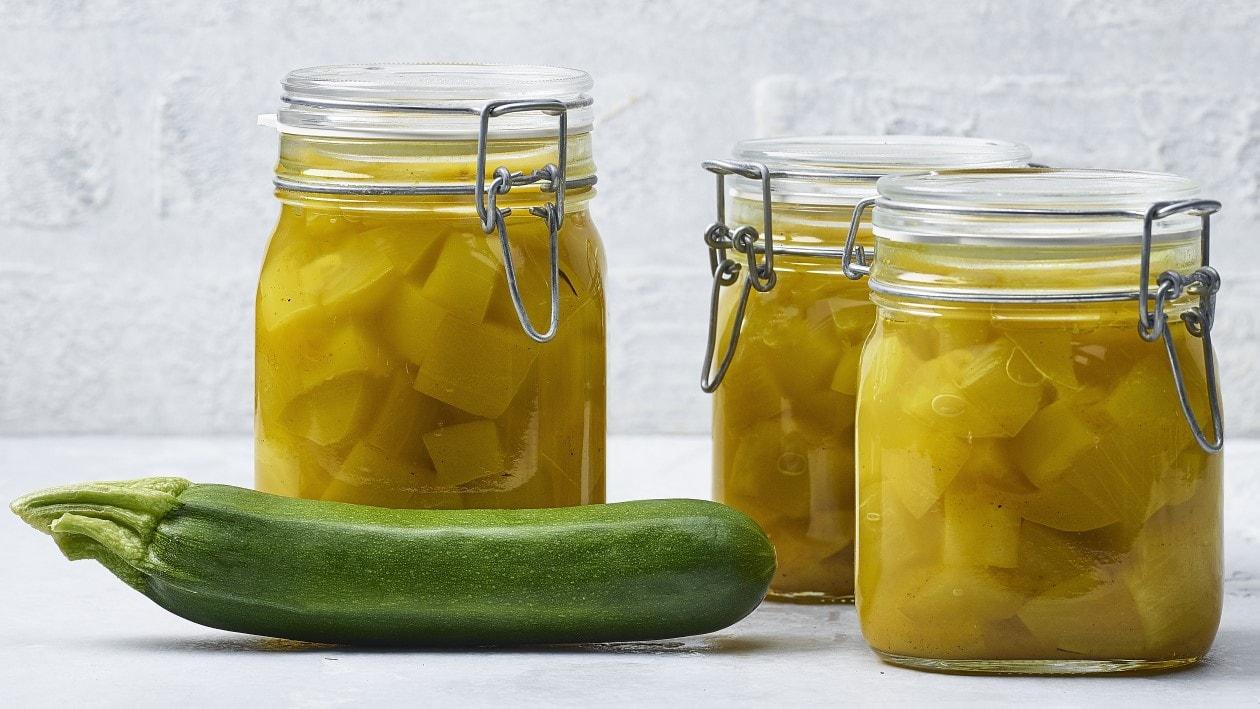 Süß-saure Zucchini