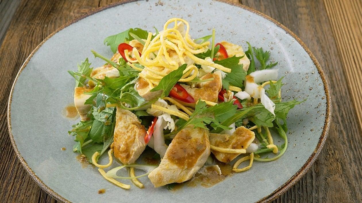 Kokos Hähnchensalat mit frischen Kräutern