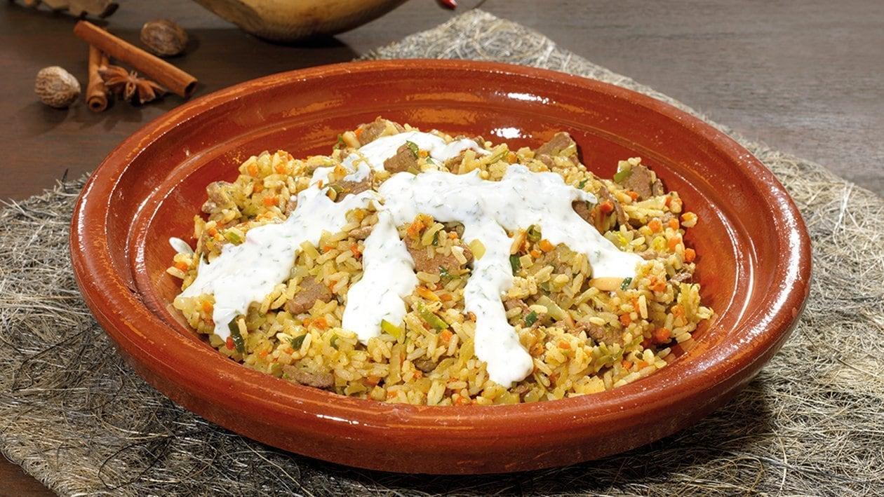 Biryani-Reis mit Lamm und Minz-Dipp