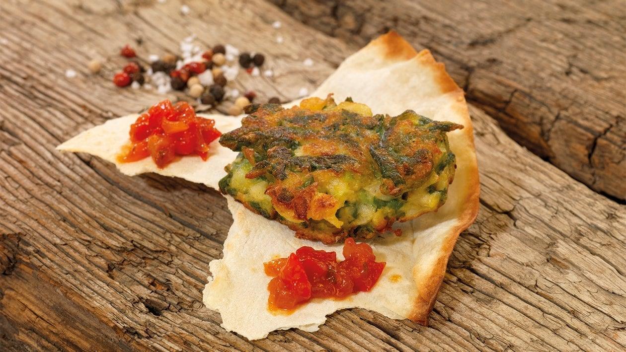 Pakora, gebackene Spinat-Gemüse-Taler mit Tomaten-Chutney
