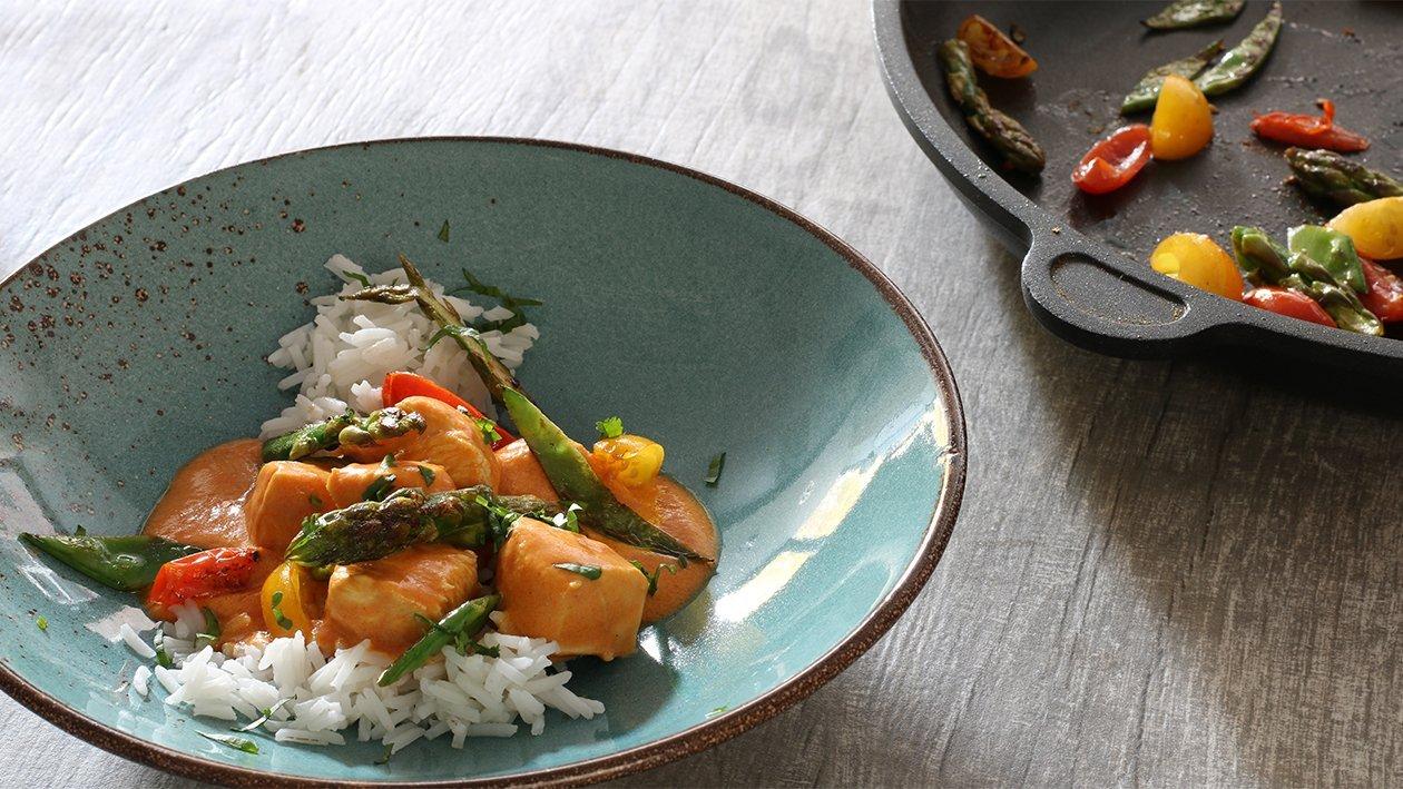 Erdnuss - Curry - Huhn mit Zitrusspargel