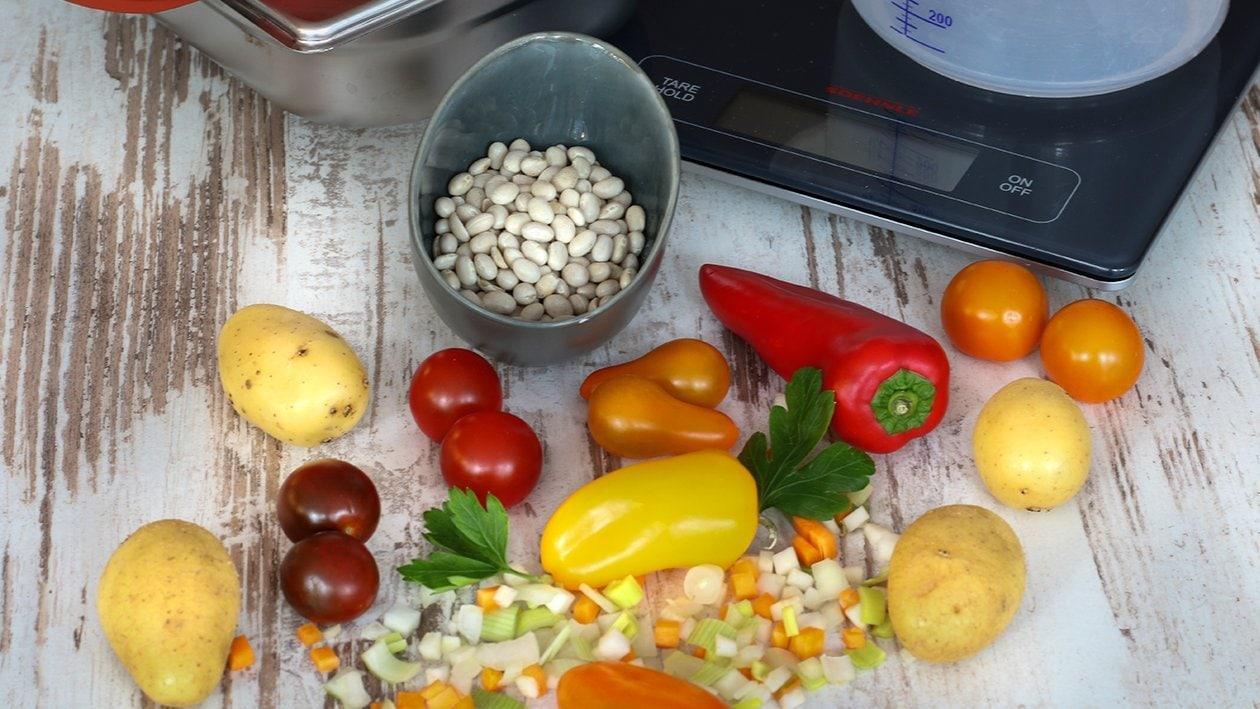 Weiße Bohneneintopf mit Tomate und Paprika