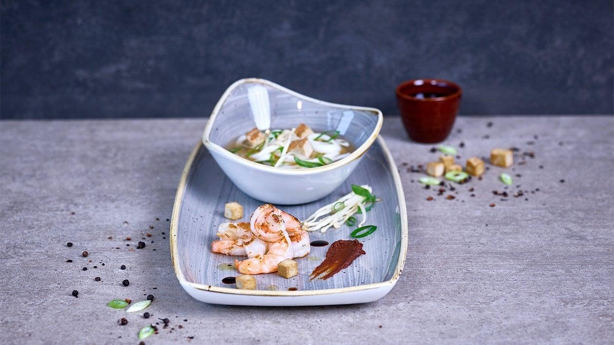 Hühner-Miso Suppe mit Udon und Enoki Pilzen