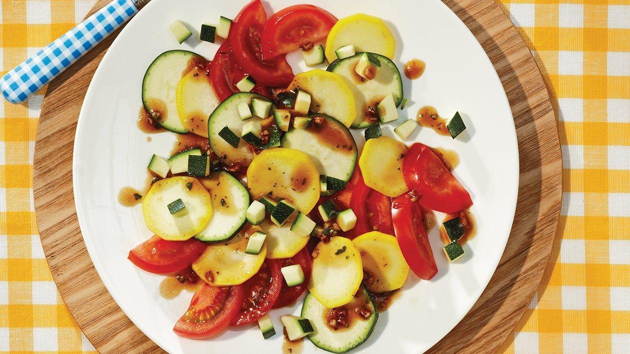 Tomaten-Zucchini-Salat