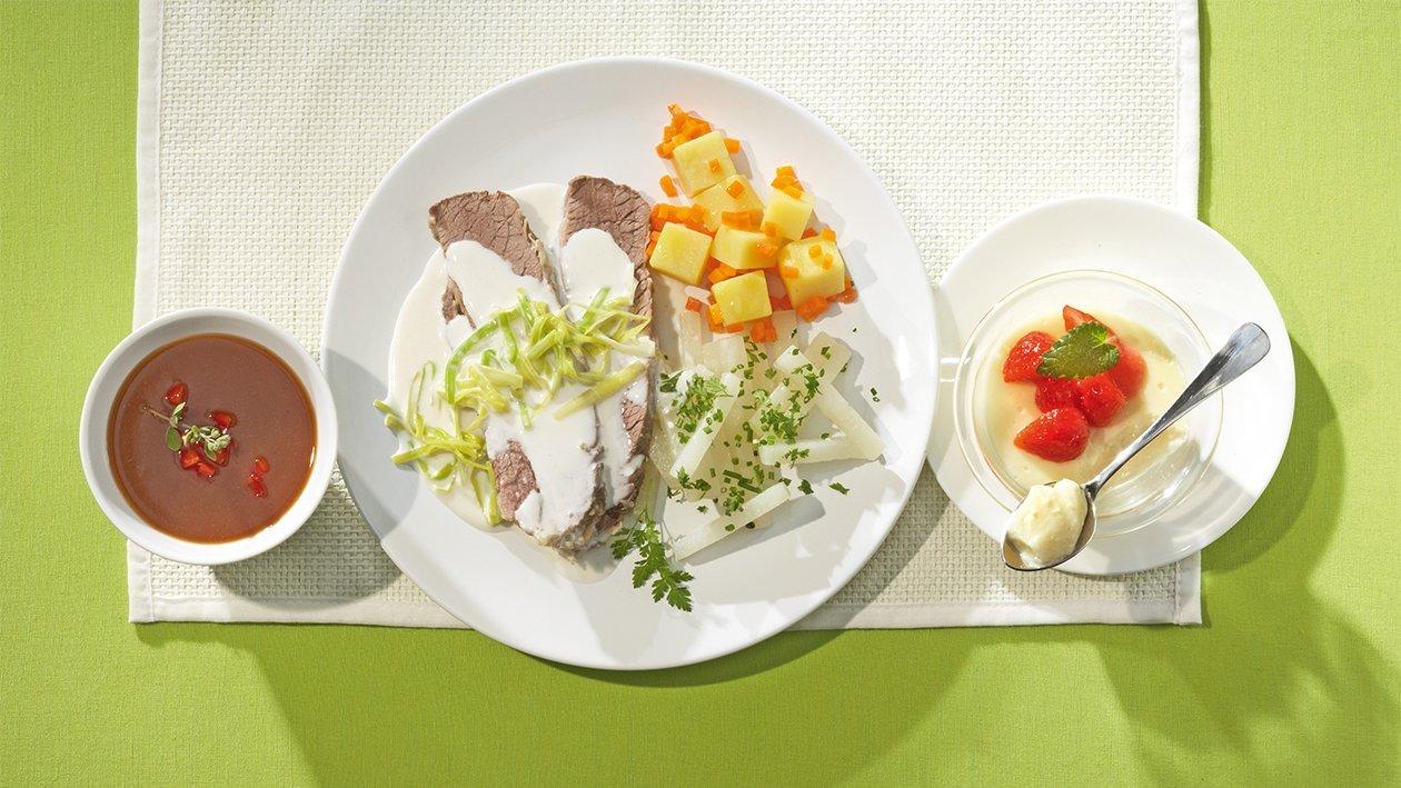 Gesottene Rinderbrust mit Lauchsauce, Kohlrabigemüse mit Frühlingskräutern und Bouillon-Kartoffeln