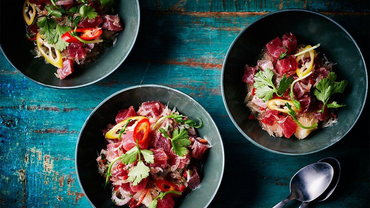 Thunfisch Ceviche mit Pomelo-Salat