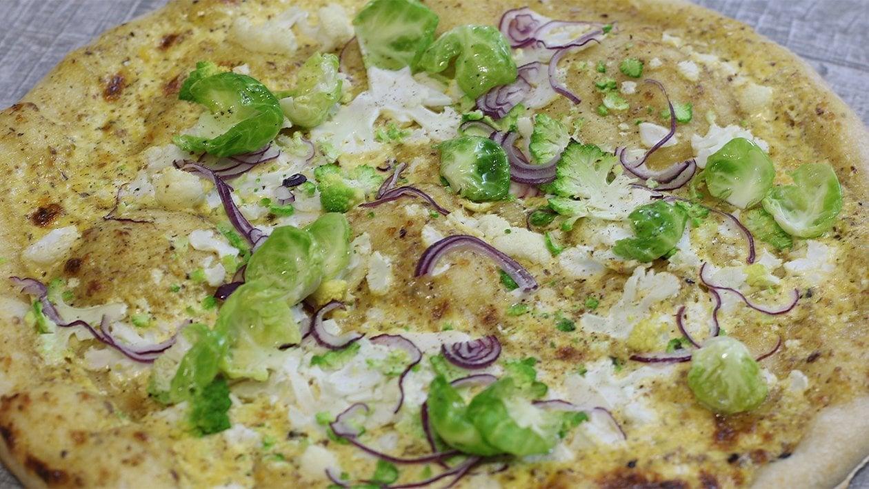 Kohlpizza mit Haselnuss- Hollandaise