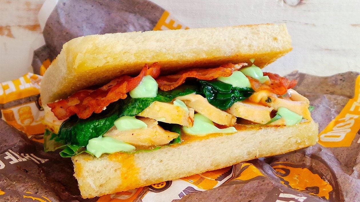 Chili Lime Hähnchenbrust Sandwich mit Korinader Mayonnaise