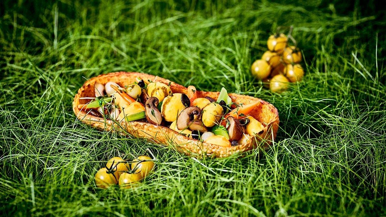 Gebratene Kürbis-Nockerl mit Kürbiskernen und Paprika-Hollandaise