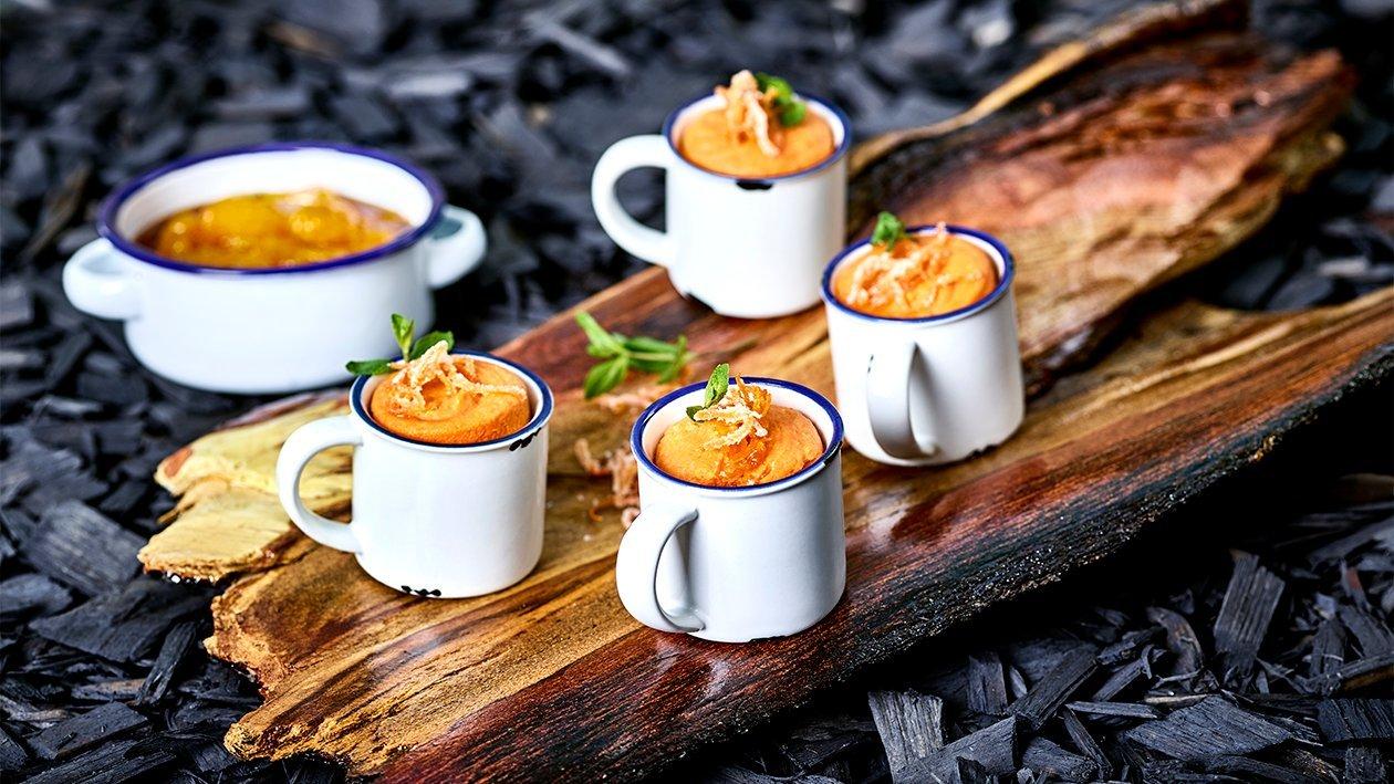 Karotten-Kardamom-Soufflé mit Mandarinenragout
