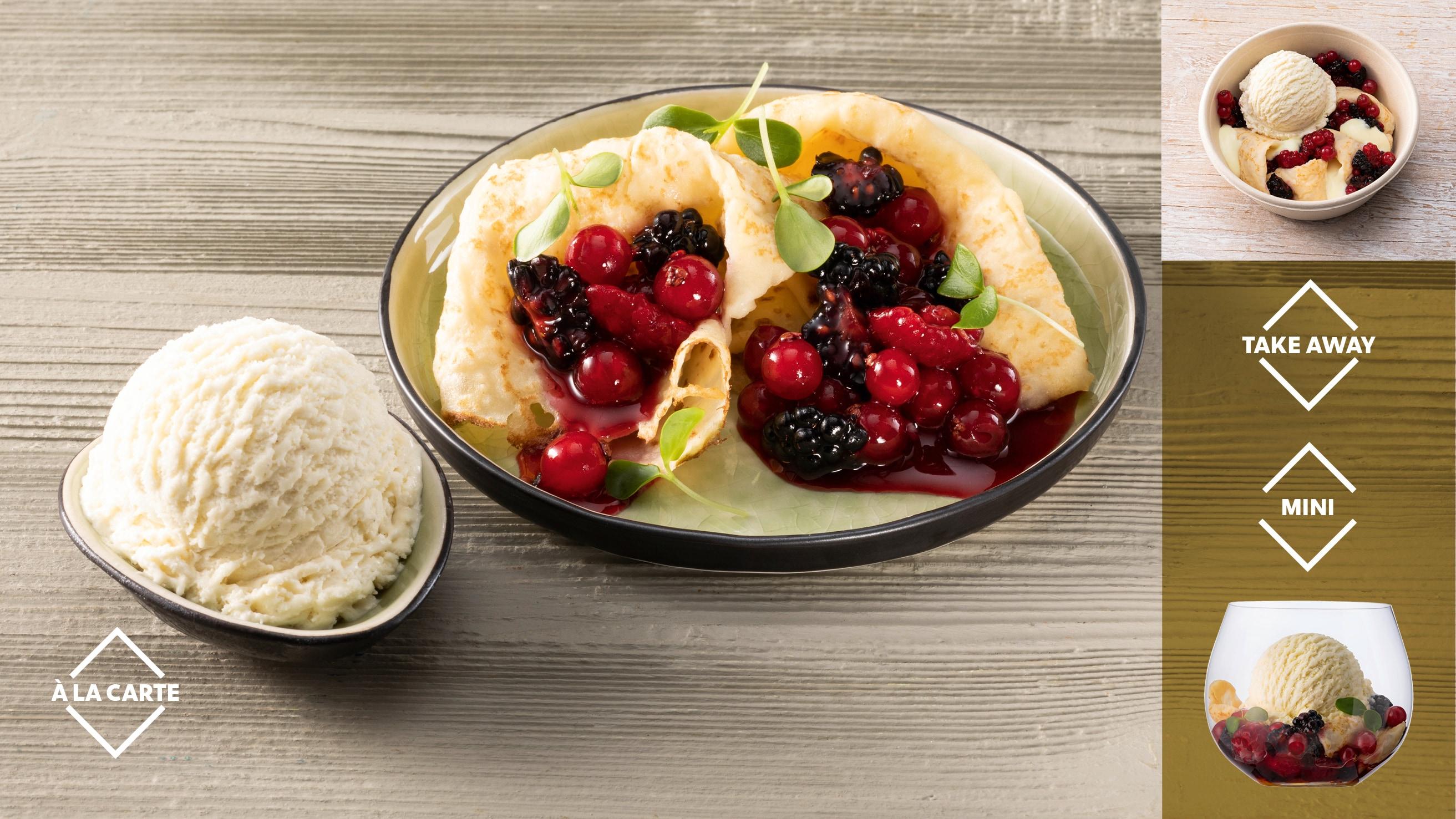 Gefüllter warmer Crêpe mit Beerenfrüchten und Bourbon- Vanille Eis
