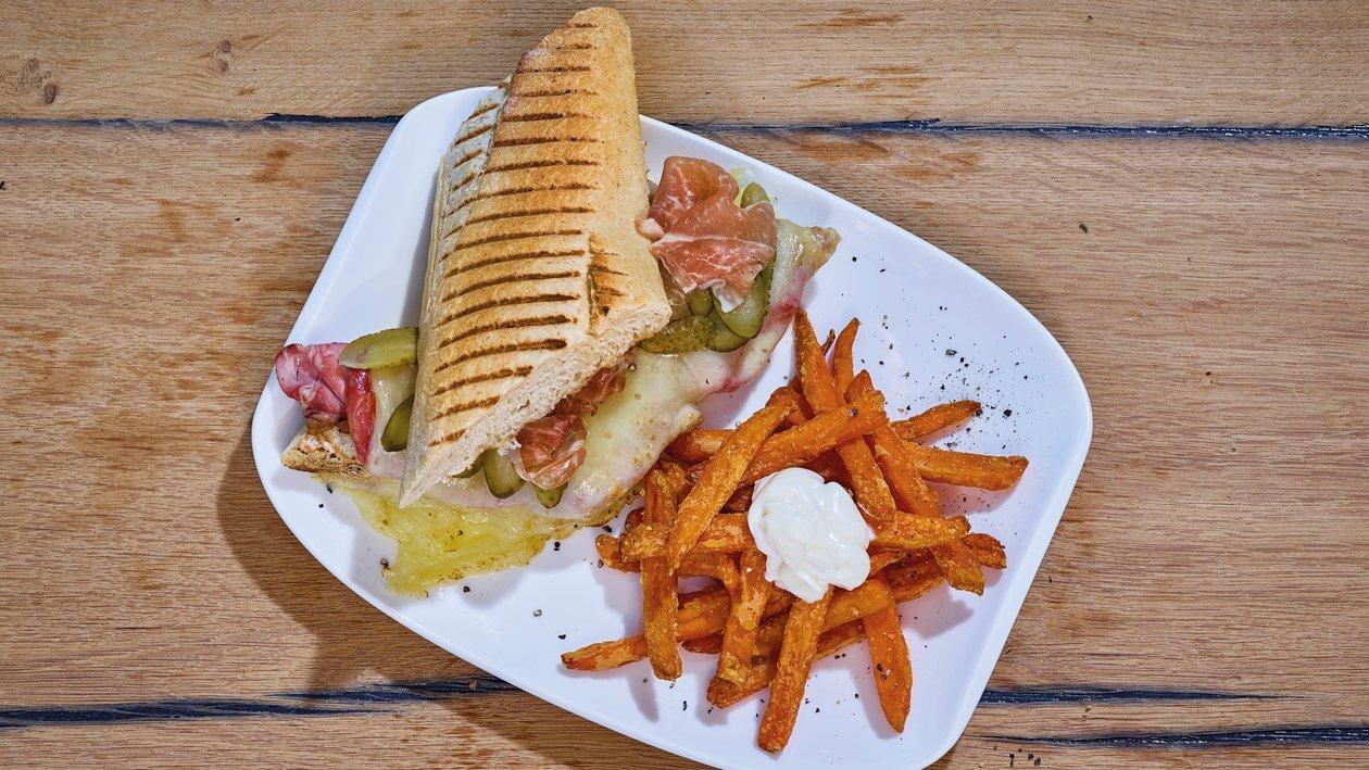 Cuba Sandwich mit Süsskartoffel-Pommes