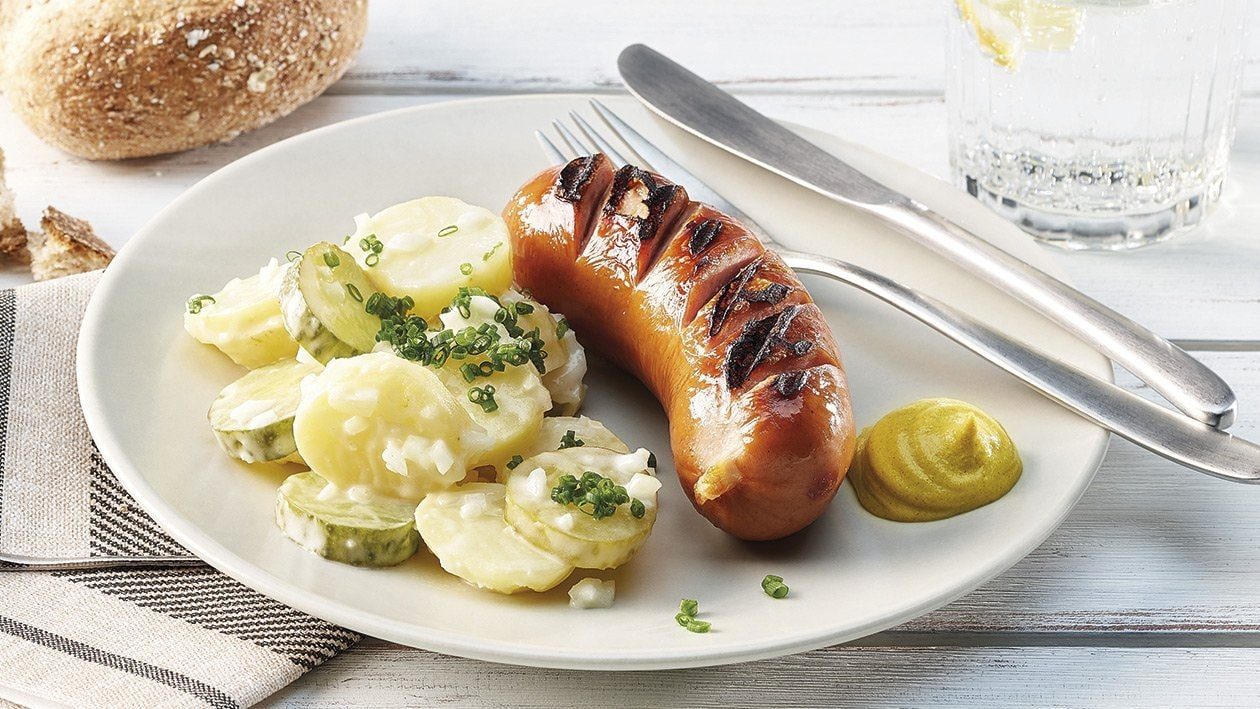 Grillierte Bockwurst mit Kartoffelsalat