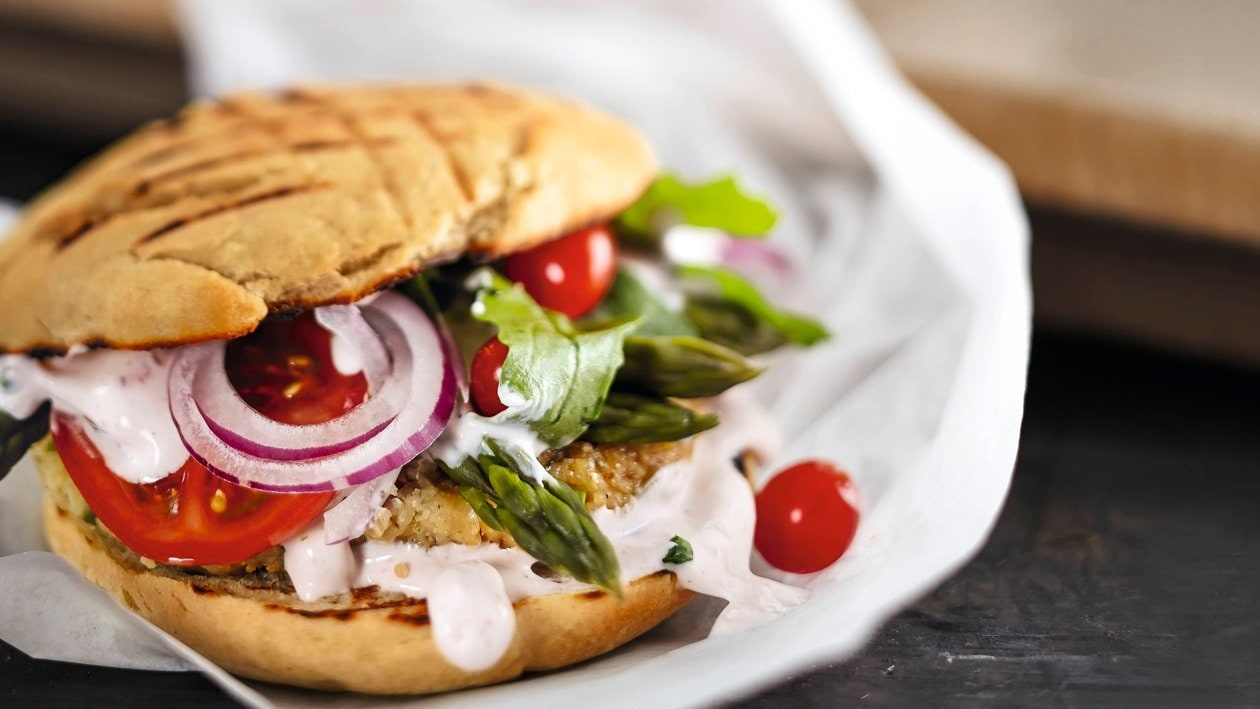 Spargel Burger mit Vegetarischem Patty, Veganer Mayo
