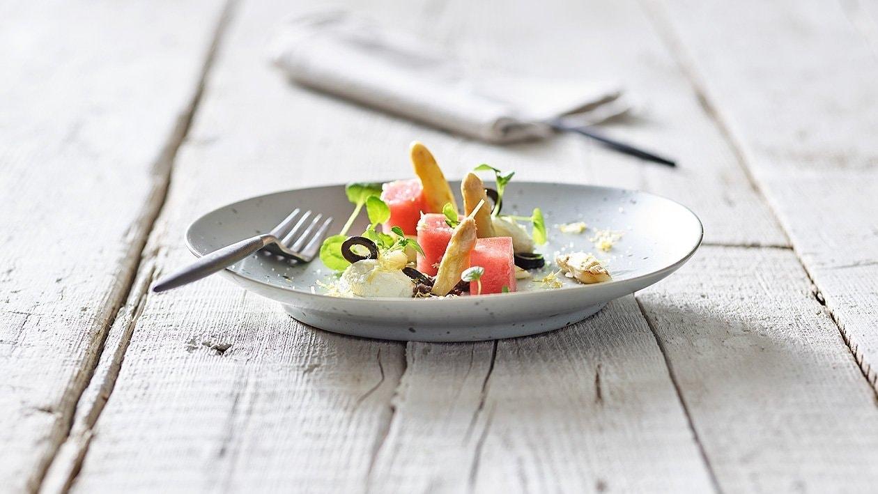 Gegrillter Spargel mit Melone, Feta und Oliven
