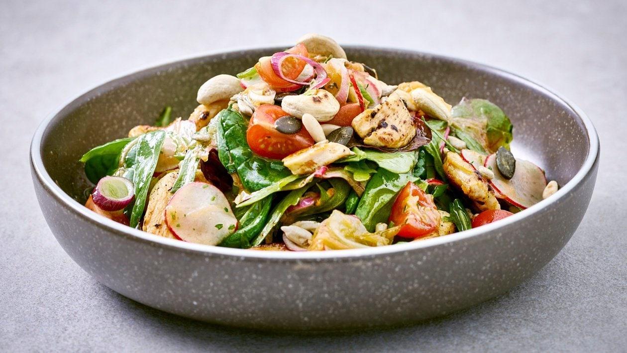 Gemischter Blattsalat mit Hähnchenstreifen