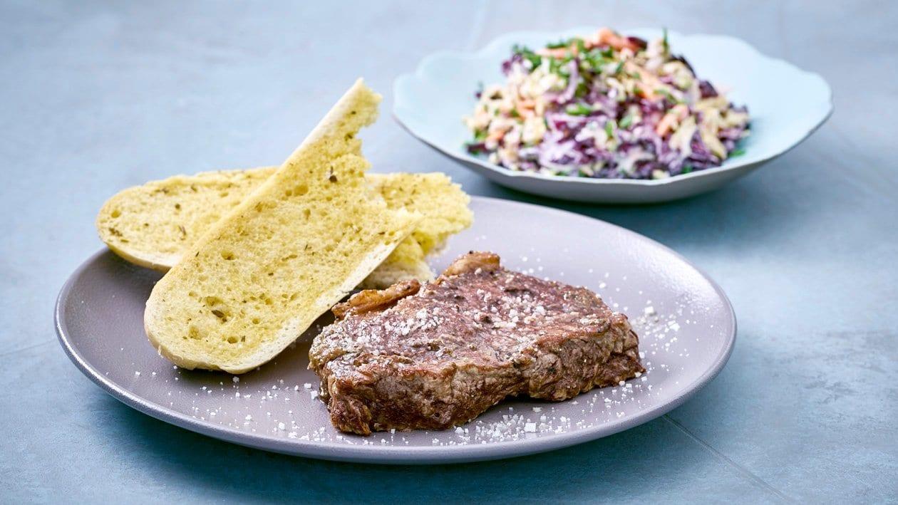 Rumpsteak - Baguette - Salat